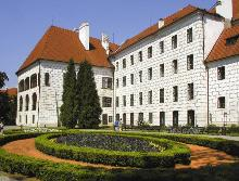 The size of the Třeboň chateau classifies it as one of the largest of its kind in the Czech Republic. It is surrounded by a well kept English park, a pleasant oasis of green in the town centre, photo by: Archiv Vydavatelství MCU s.r.o.